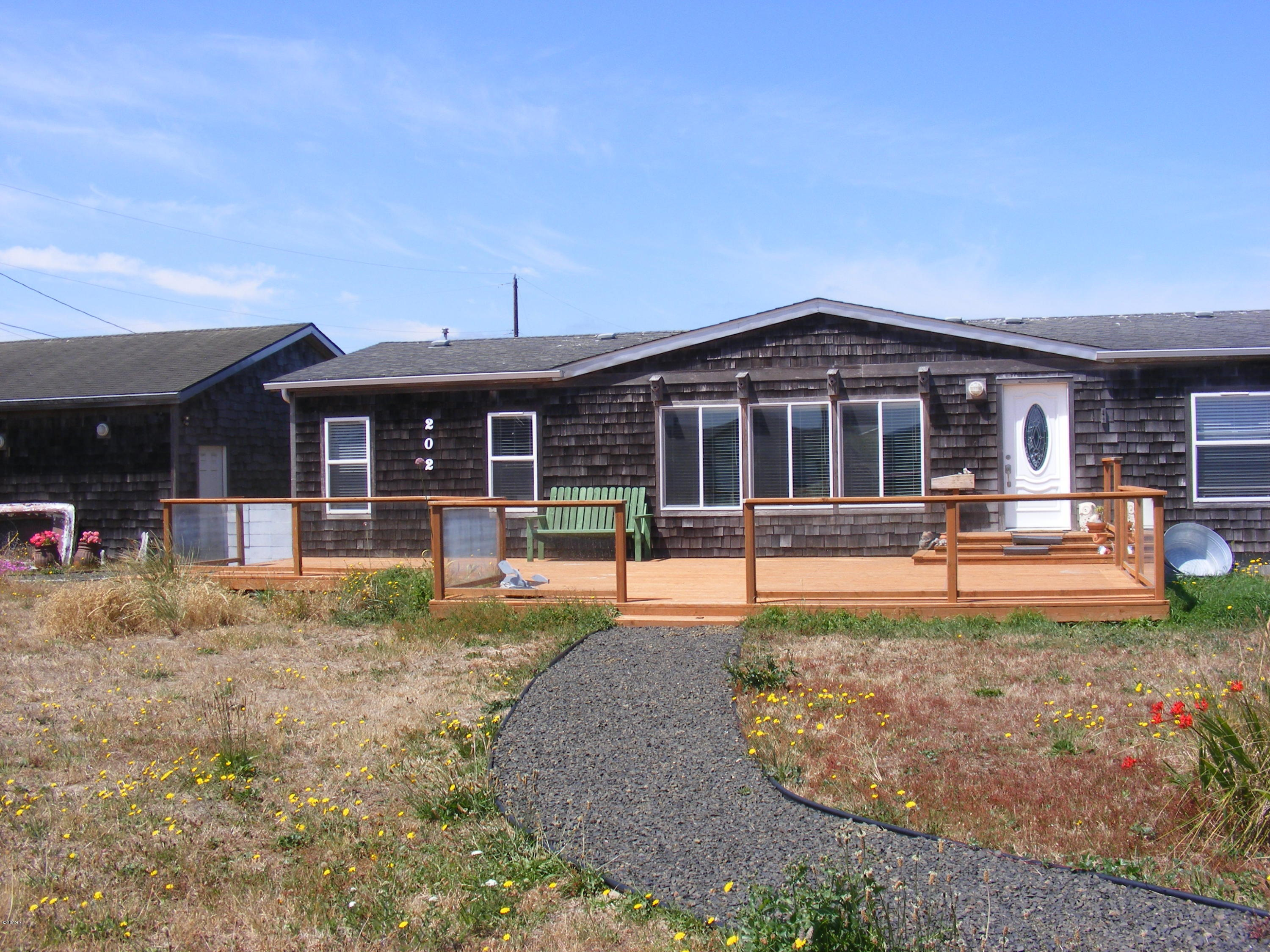 202 NW Alsea Bay Dr, Waldport, OR 97394 - Cute House