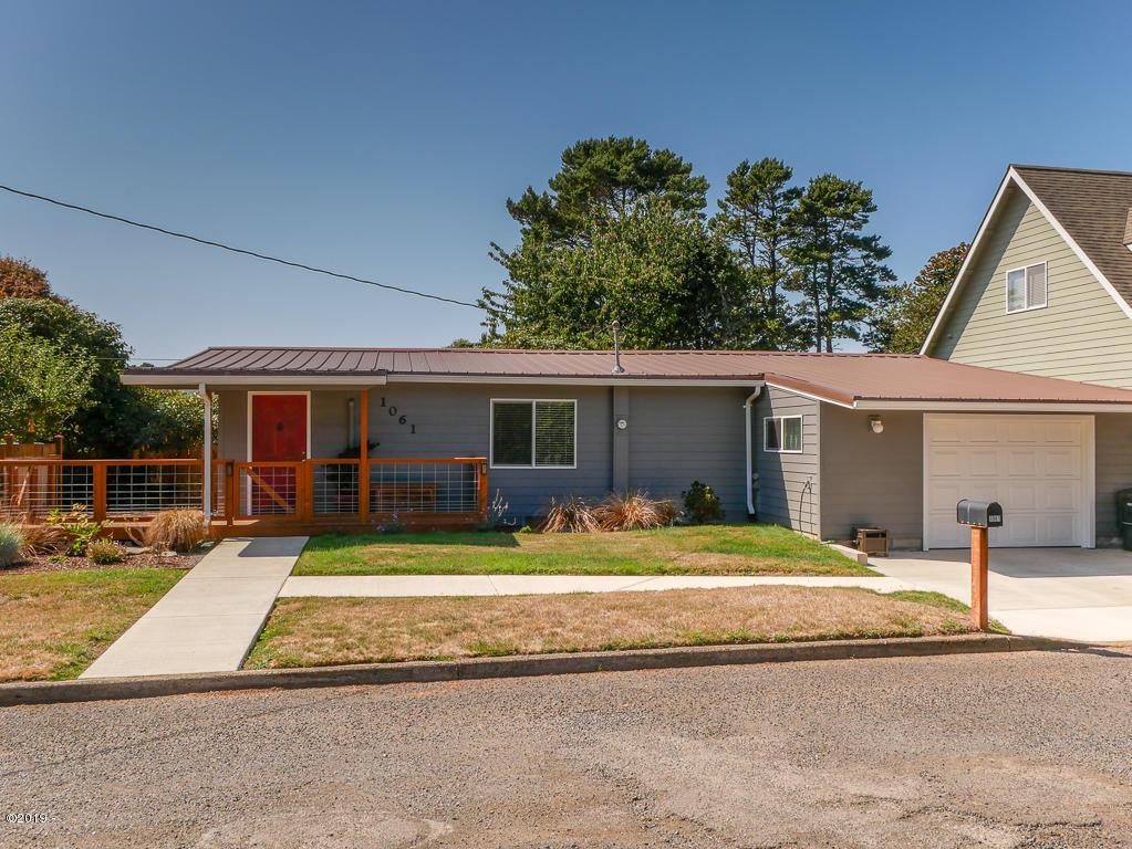 1061 NE Douglas St, Newport, OR 97365 - 1061 NE Douglas Street
