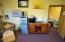 615 SW Hurbert St, Newport, OR 97365 - Beverage Cabinet & Refrigerator
