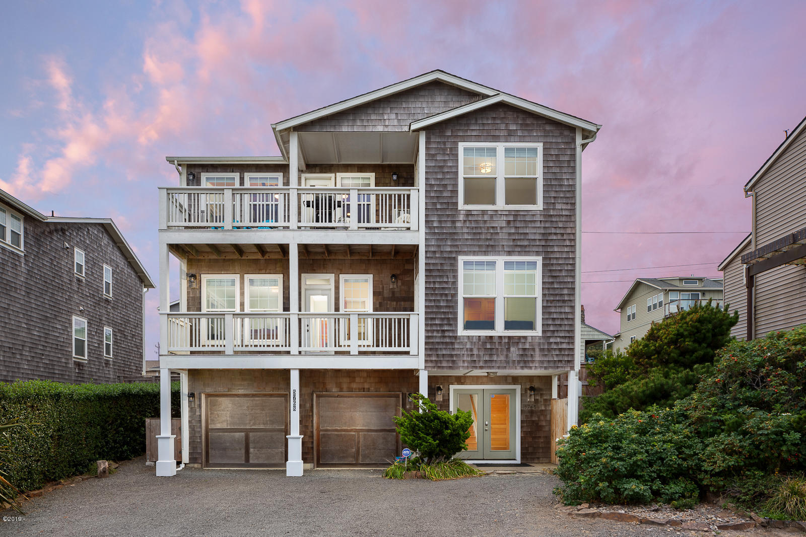 5768 NW Jetty Ave, Lincoln City, OR 97367