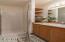 4111 SW Hwy 101, 8, Lincoln City, OR 97367 - Full Bathroom