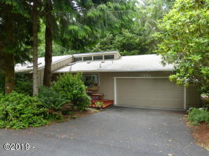 194 SW The Pines, Depoe Bay, OR 97341 - Front