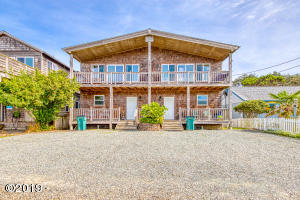 640 S Pacific St, Rockaway Beach, OR 97136