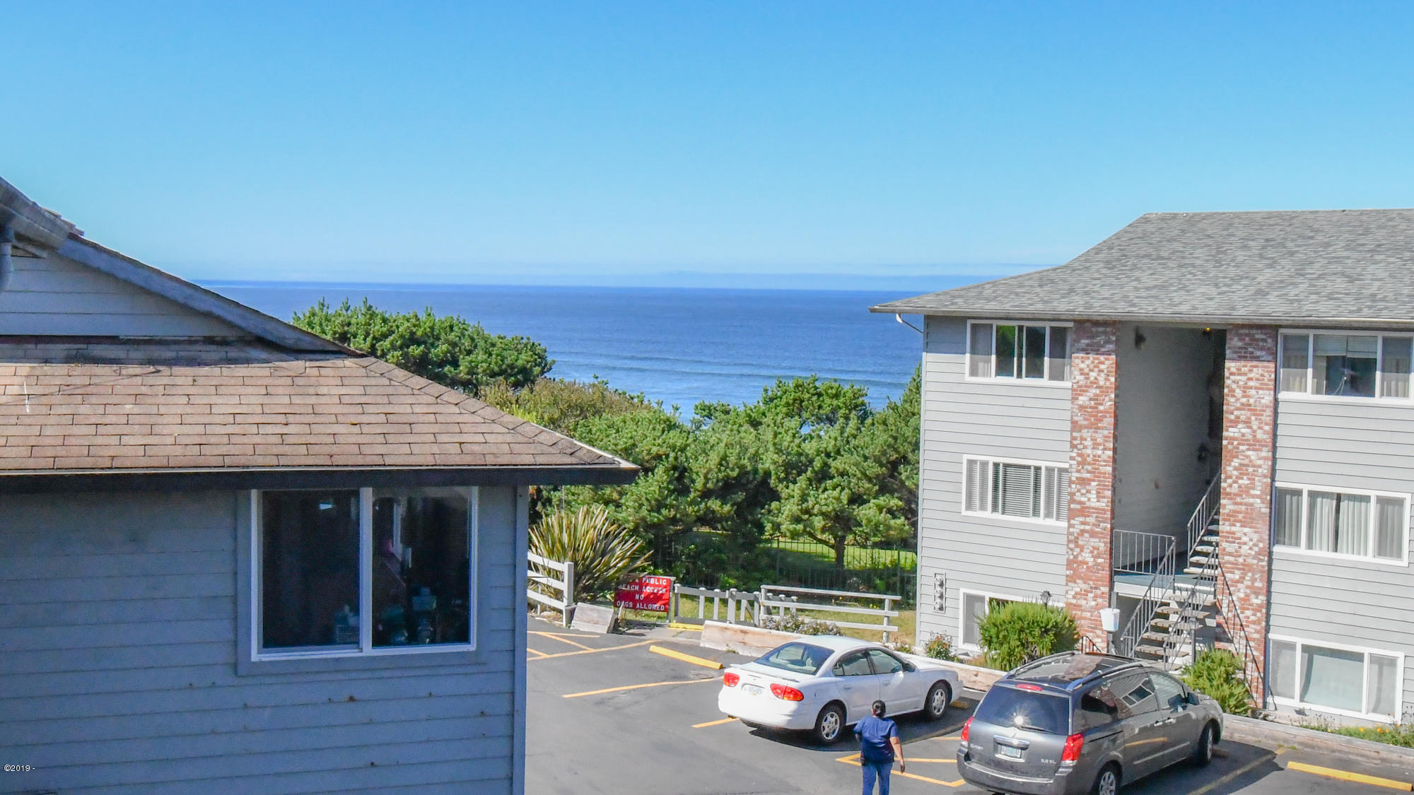 4229 SW Beach Ave, 41, Lincoln City, OR 97367 - Exterior Building and View
