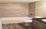 165 NE 121st St, Newport, OR 97365 - Main Bathroom