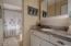 1120 NW Spring St, F, Newport, OR 97965 - Bathroom 2