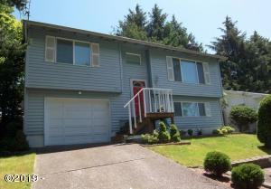 624 SE Inlet Ave, Lincoln City, OR 97367 - Front of the home