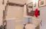 1547 NW Lake St, Newport, OR 97365 - Bath 1st flr