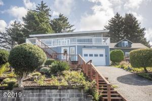 1746 NE Lee Pl, Lincoln City, OR 97367 - From street