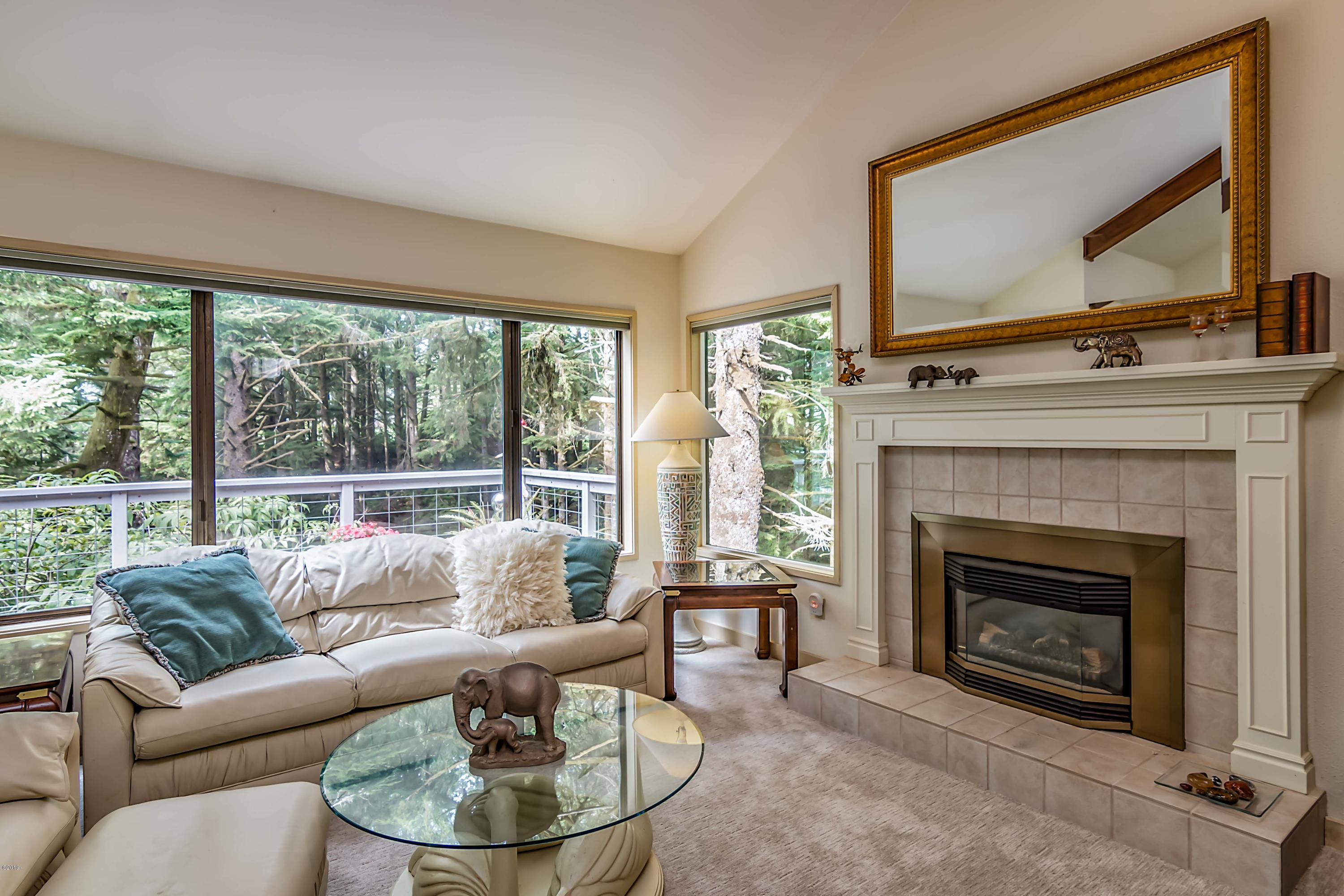600 Island Dr, 3, Gleneden Beach, OR 97388