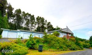 250 NE Sunset St, Yachats, OR 97498 - Front Of The Home
