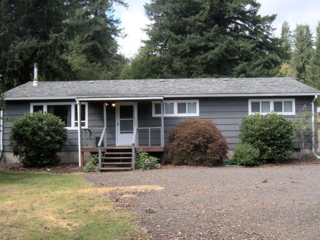 603 SE East Slope Rd, Toledo, OR 97391 - front of house