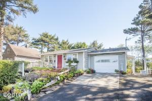 1020 SW Fleet Ave, Lincoln City, OR 97367 - Front of House