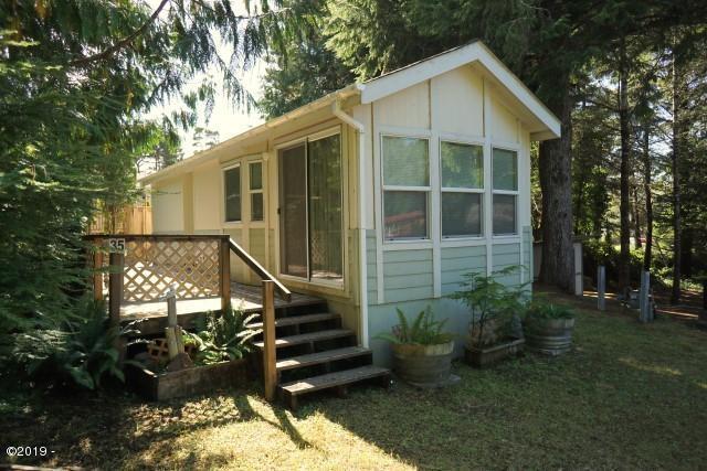 3700 N. Hwy 101 #35, Depoe Bay, OR 97341 - Exterior 2