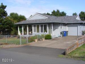 81 NE 73rd St, Newport, OR 97365 - Front elevation