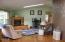 81 NE 73rd St, Newport, OR 97365 - living room