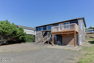 1701 NW Parker Ave, Waldport, OR 97394