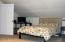 377 Camp 12 Loop, Toledo, OR 97391 - Master bedroom