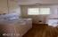 11294 NW Pacific Coast Hwy, Seal Rock, OR 97376 - Jessal_laundry