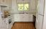 11294 NW Pacific Coast Hwy, Seal Rock, OR 97376 - Jessal_kitchen_1