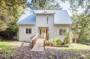 839 SW 50th St, Lincoln City, OR 97367 - Beach Bungalow