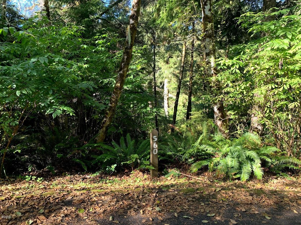 560 Fairway Ln, Gleneden Beach, OR 97388