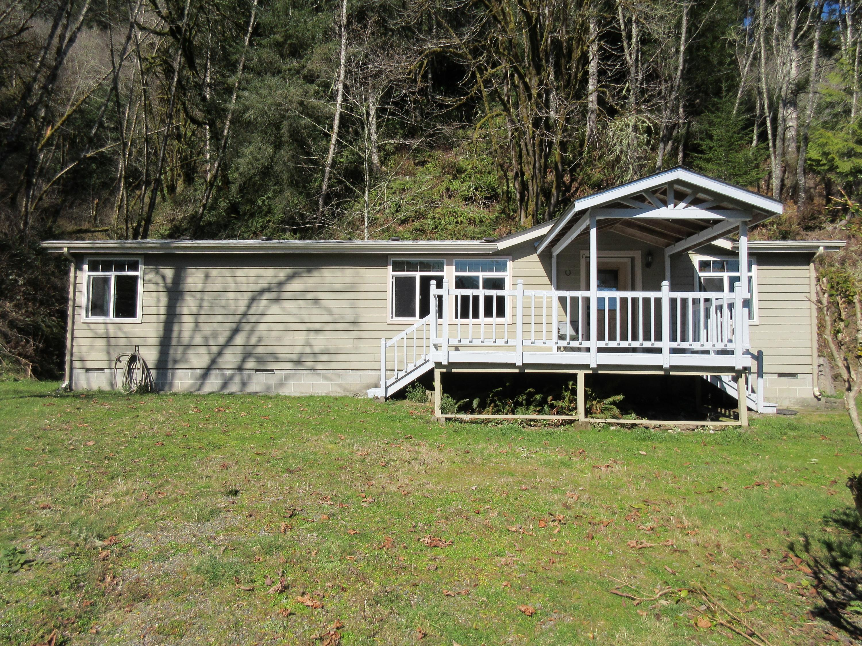 765 Deans Creek Rd, Reedsport, OR 97467 - Front of house