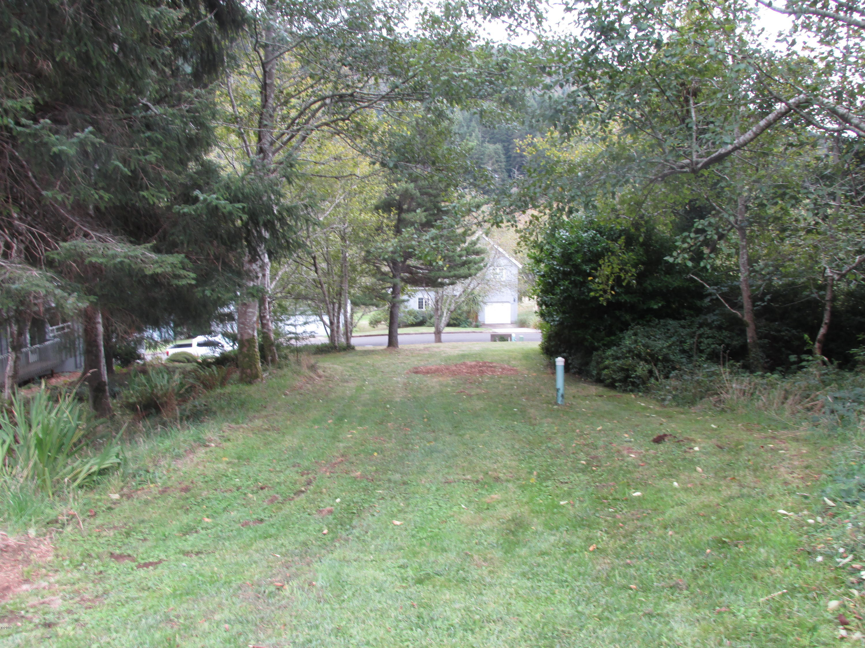 255 Jennifer Dr, Yachats, OR 97498 - Quiet Water Lot