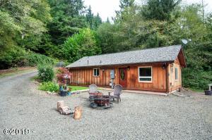 1365 N Bear Creek Rd, Otis, OR 97368 - 1365 N Bear Creek Road Exterior - View 1