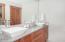 355 Salishan, Gleneden Beach, OR 97388 - Guest Bath