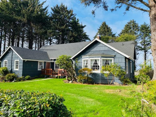 2211 NE 36th Dr, Lincoln City, OR 97367 - Front View