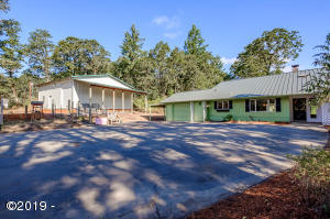6840 Ridgeway Rd, Sheridan, OR 97378 - House + Shop