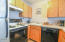 701 NW Coast St, 210, Newport, OR 97365 - Kitchen