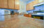701 NW Coast St, 309, Newport, OR 97365 - Kitchen