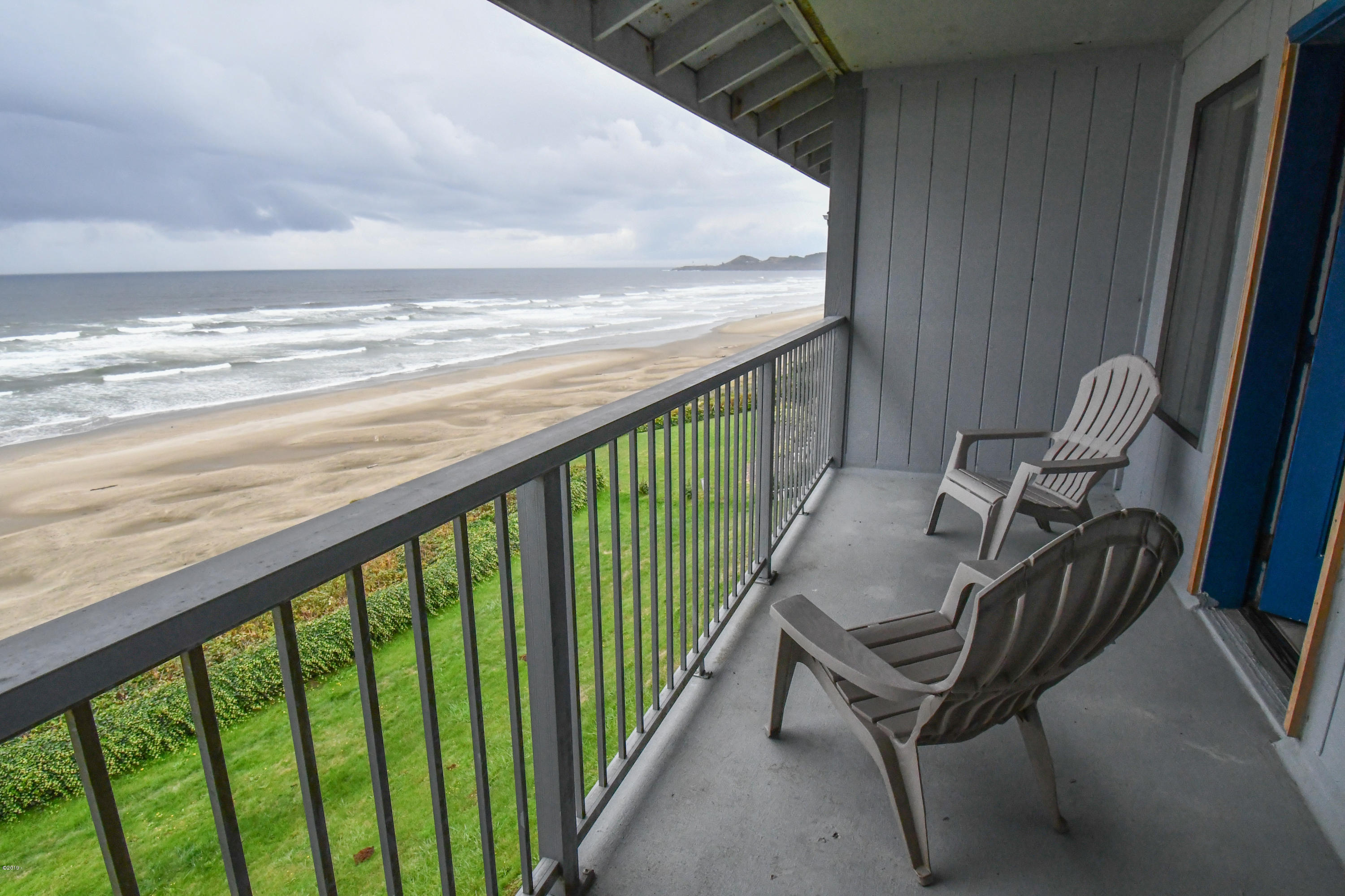 701 NW Coast St, 309, Newport, OR 97365 - Deck