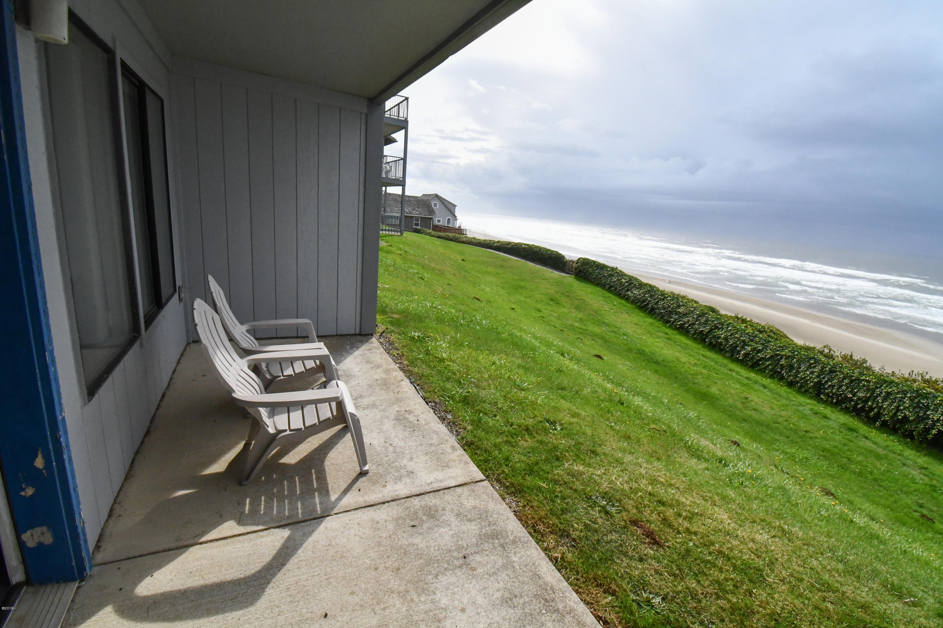 701 NW Coast St, 111, Newport, OR 97365 - Patio
