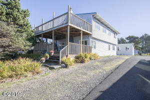 7130 Neptune St, Gleneden Beach, OR 97388