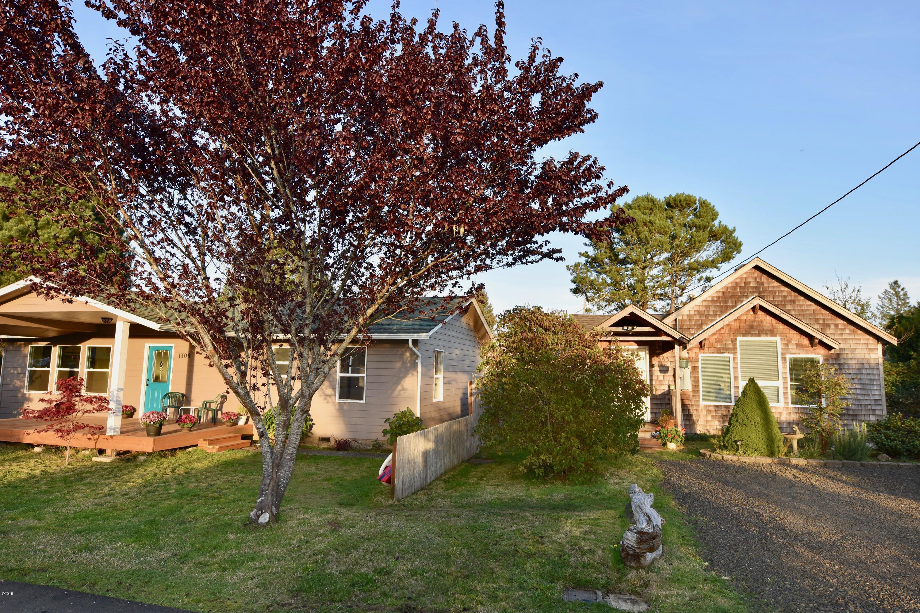 1309/1343 SE Eagle View Lane, Waldport, OR 97394 - Cottage 1343 SE Eagle View lane