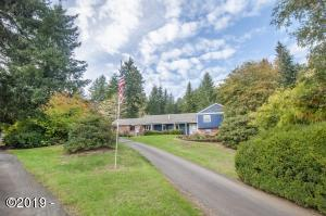 2038 Salmon River Hwy, Otis, OR 97368
