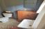 470 SW Coast Ave, Depoe Bay, OR 97341 - Bathroom