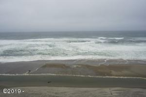 1723 NW Harbor Avenue, #34, Lincoln City, OR 97367 - Deck View