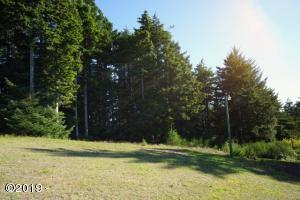 6100 Blk SE Hemlock Drive, Lincoln City, OR 97367