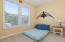 81 Oceanview St, Depoe Bay, OR 97341 - Guest Becroom