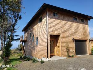 380 Village Lane, Yachats, OR 97498 - 2