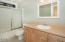 1483 SW Tintinnabulary Pl, Depoe Bay, OR 97341 - Master Bathroom (1280x850)