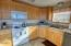 911 SW 2nd St, Newport, OR 97365 - Kitchen