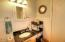 502 NW Brook St, Newport, OR 97365 - Bathroom