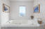 315 SW Ebb Ave, Lincoln City, OR 97367 - Downstairs Master Bath Jacuzzi Tub