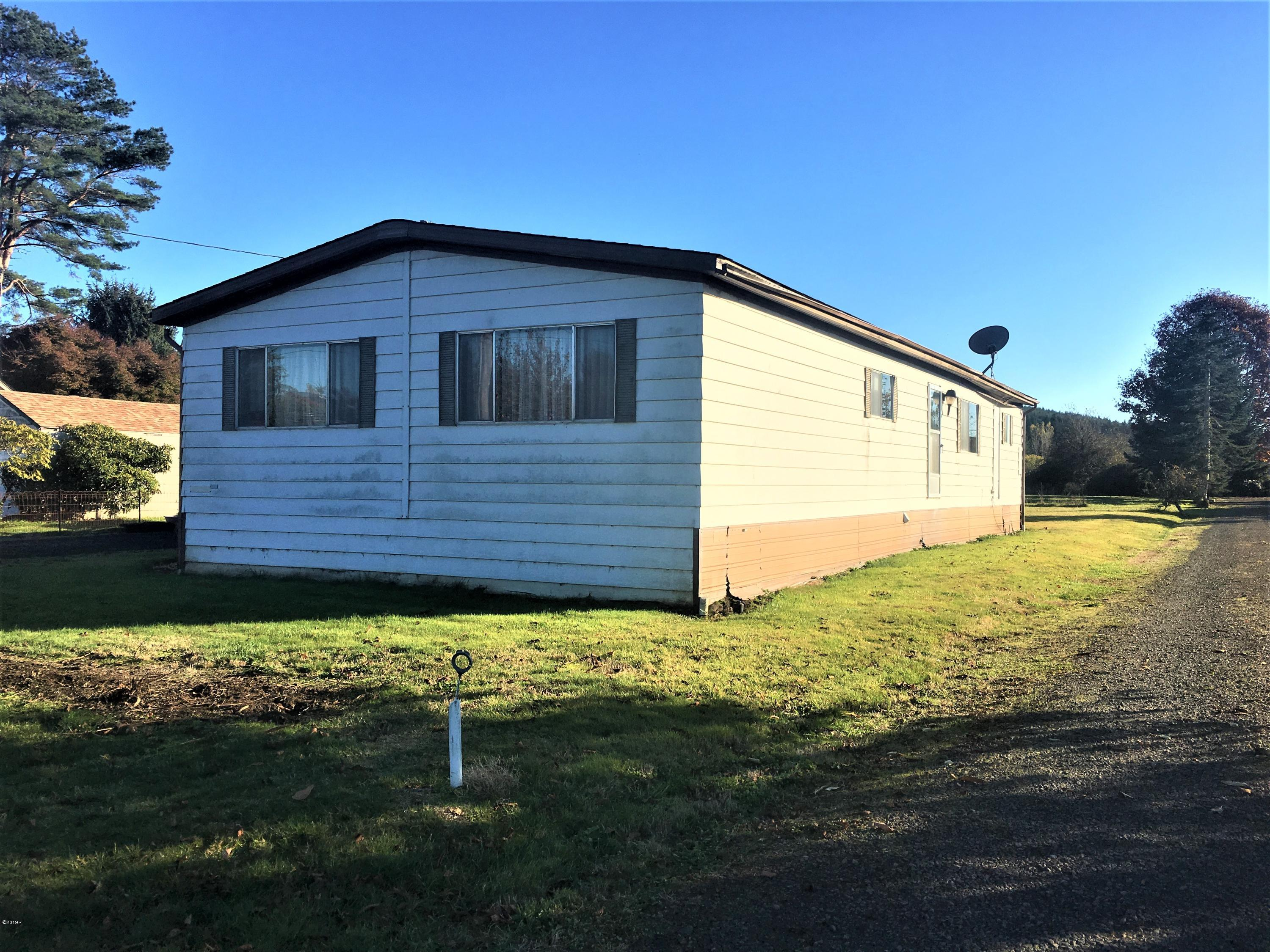 591 W Buford Ave, Siletz, OR 97380