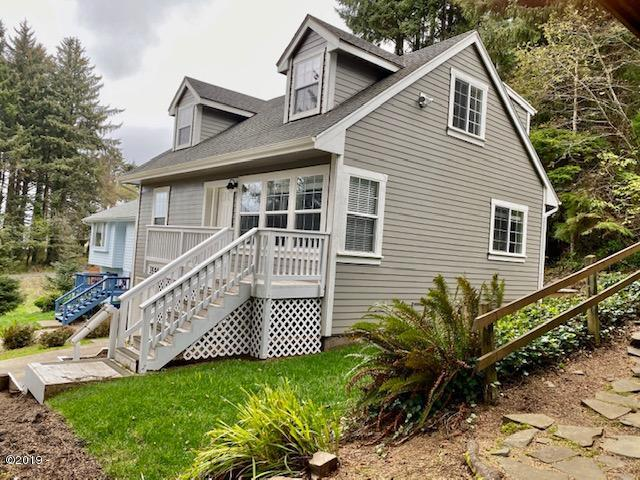 3550 NE Quay Ave, Lincoln City, OR 97367 - Remodeled 4 Bd/2Bath
